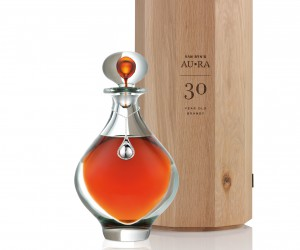 AU.RA crystal decanter and oak case (HR).jpg