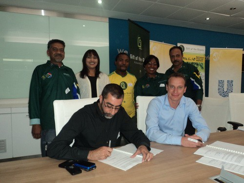 Blessed are the givers binding dr imtiaz sooliman and bas jansen seal the agreement negle Images